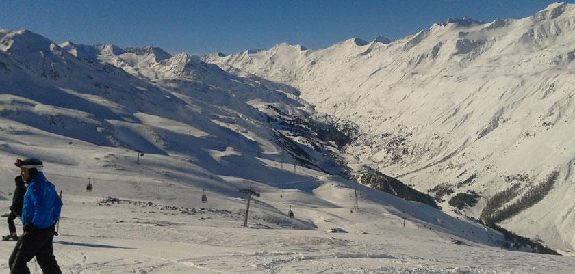 austria_hochgurgl_skier-piste.jpg